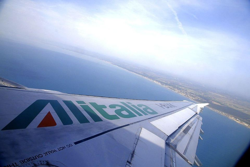 Italian union willing to enter negotiations to aid Etihad-Alitalia talks
