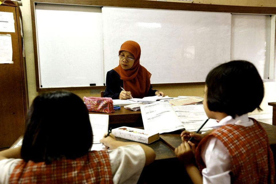 Kuwait plans to cut expat teacher numbers by 25% - official