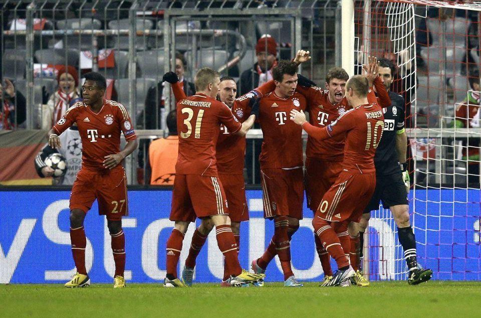 Qatar becomes Bayern Munich sponsor as Barca talks continue