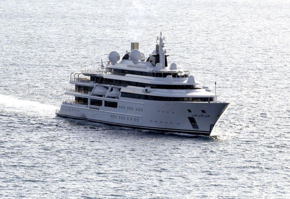 Launch of the world's largest yacht: Azzam