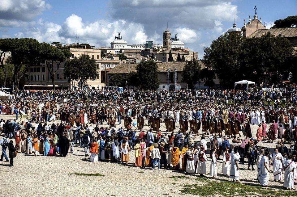 Romans celebrate 2,766th anniversary