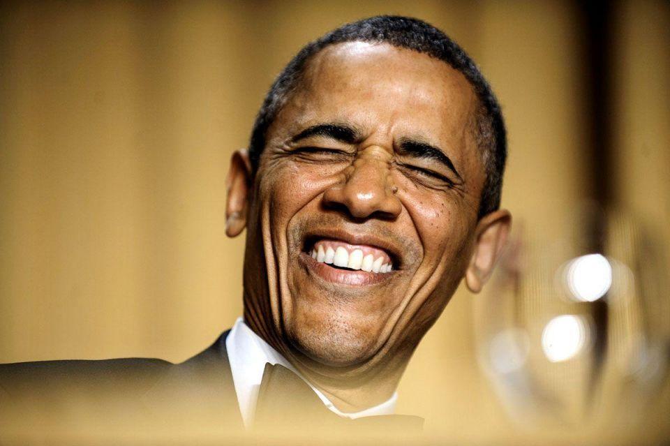 Obama pokes fun at critics, media at annual press dinner