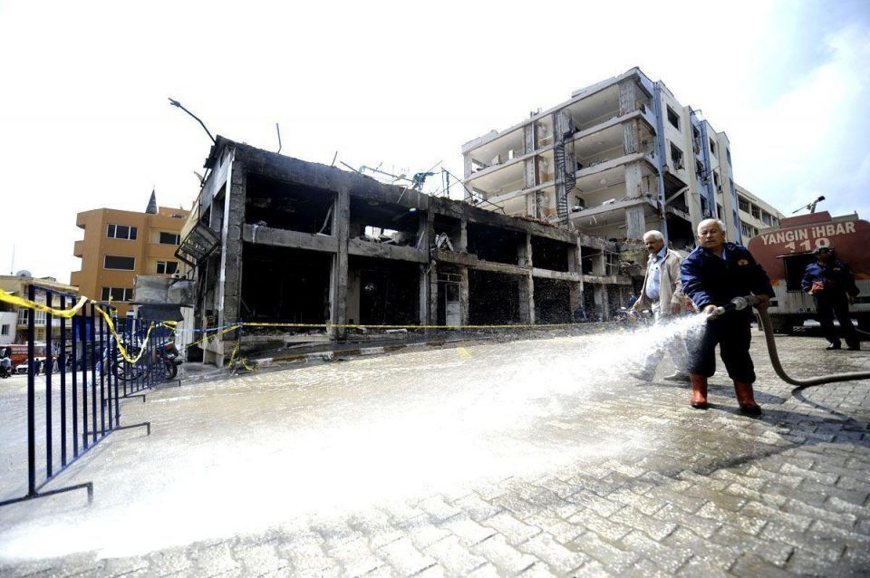 Clean up after terrorist blast in Turkey