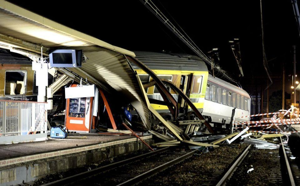 Train derailment in France leaves six dead