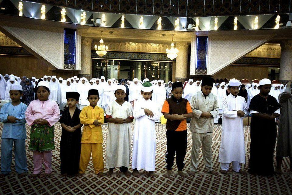 Malaysian Muslims celebrate Ramadan