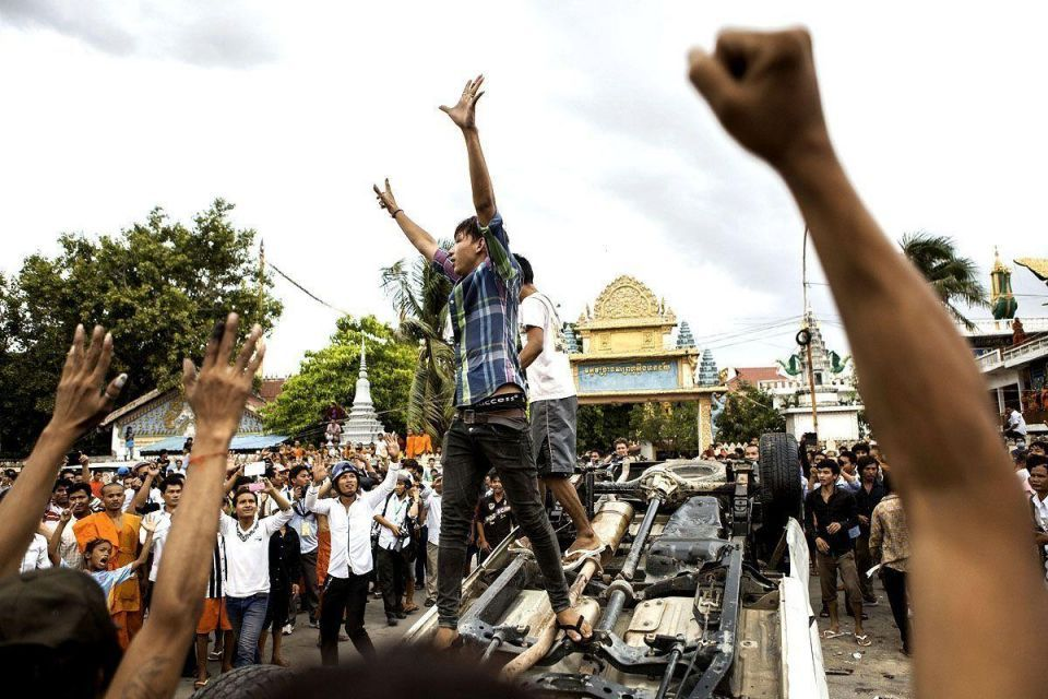 Violent clashes as Cambodia goes to the polls