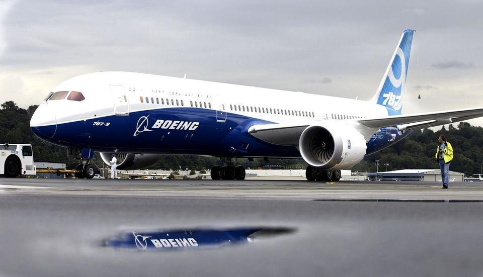 Boeing on track to meet Dreamliner delivery forecast
