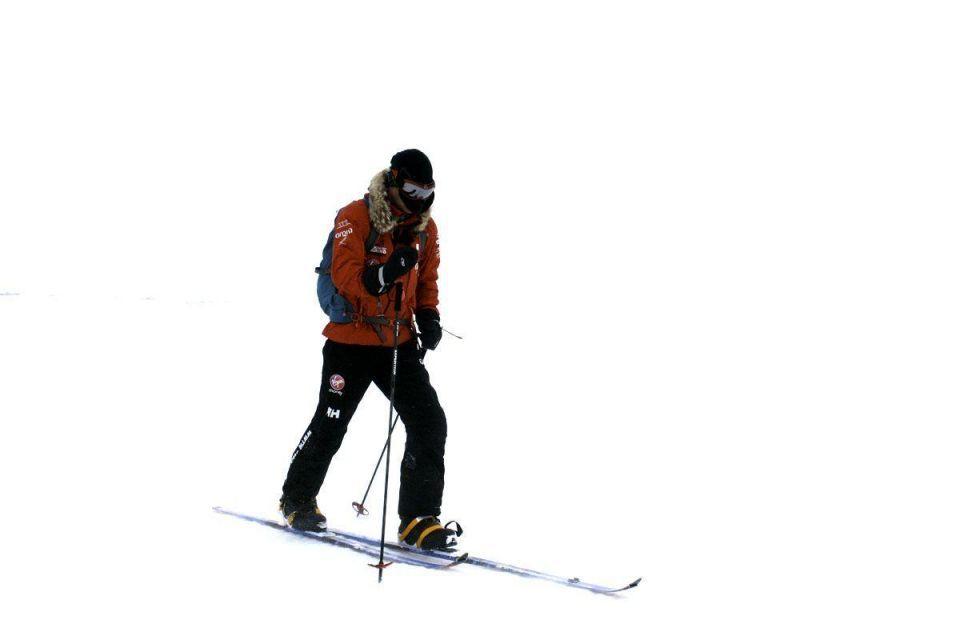 Prince Harry joins South Pole walk