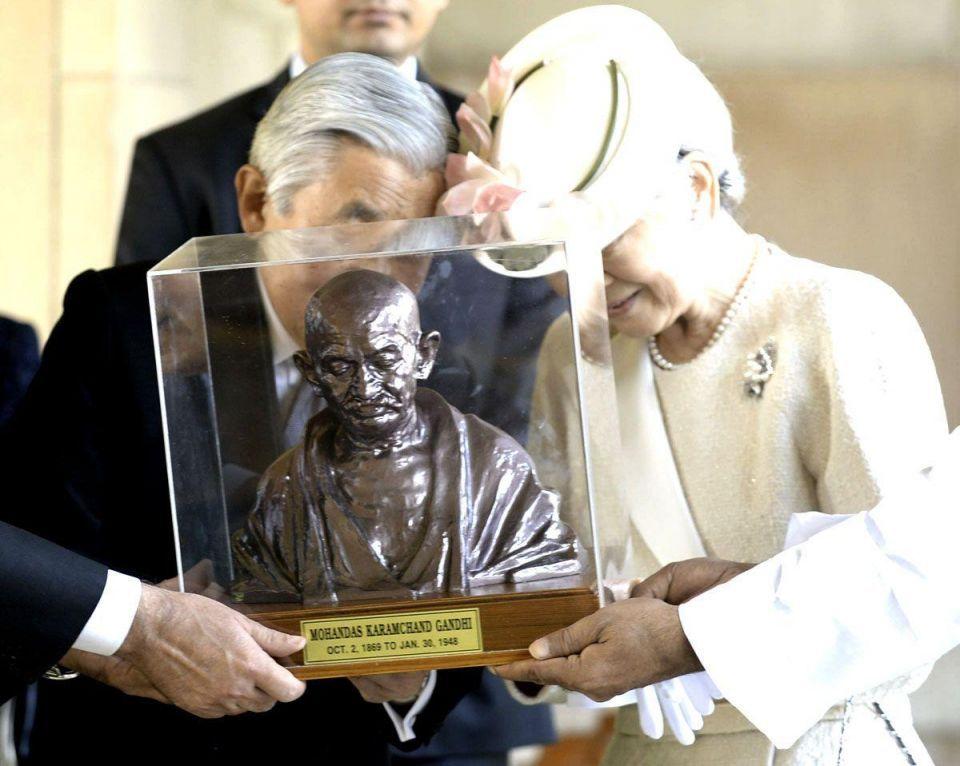 India hosts Japanese Emperor