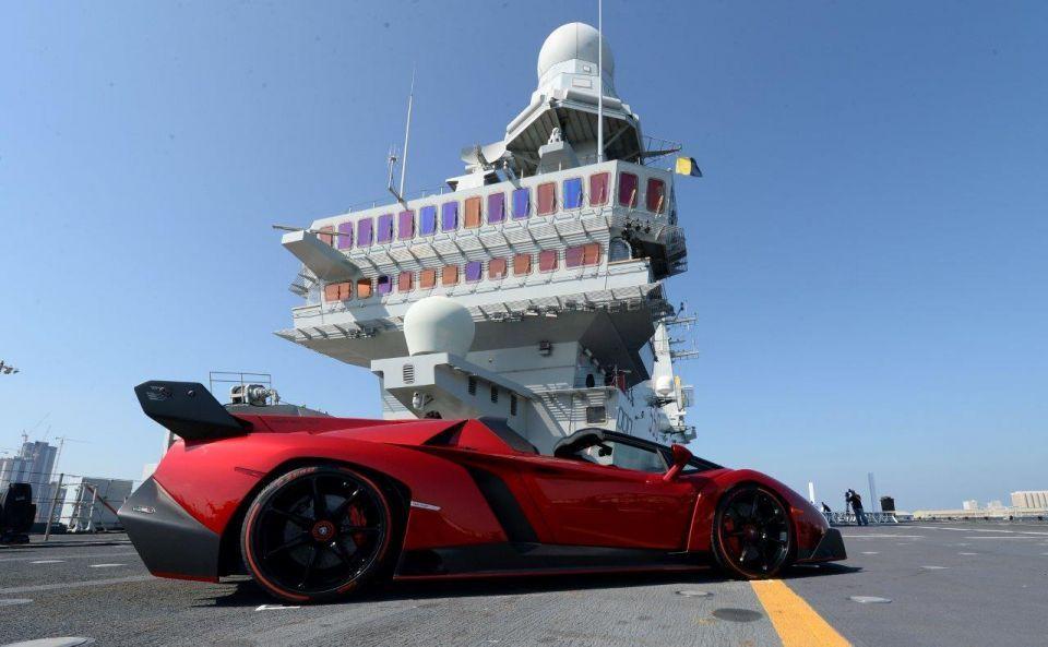 Middle East debut of $4.47m Lamborghini Veneno Roadster