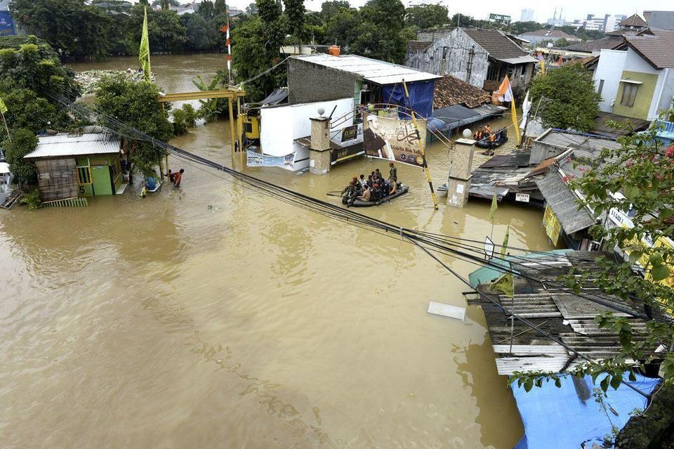 Pakistan faces health crisis after floods