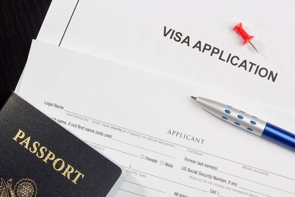 Kuwait raises minimum salary requirement to nearly $1,000 for visit visas