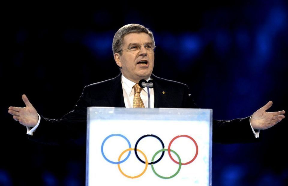 Qatar 2022 must not clash with Winter Olympics - IOC chief