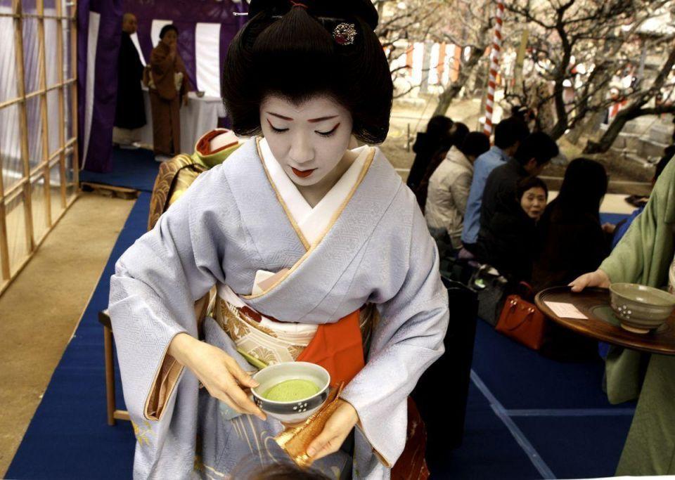 Japan marks Plum Blossom Festival