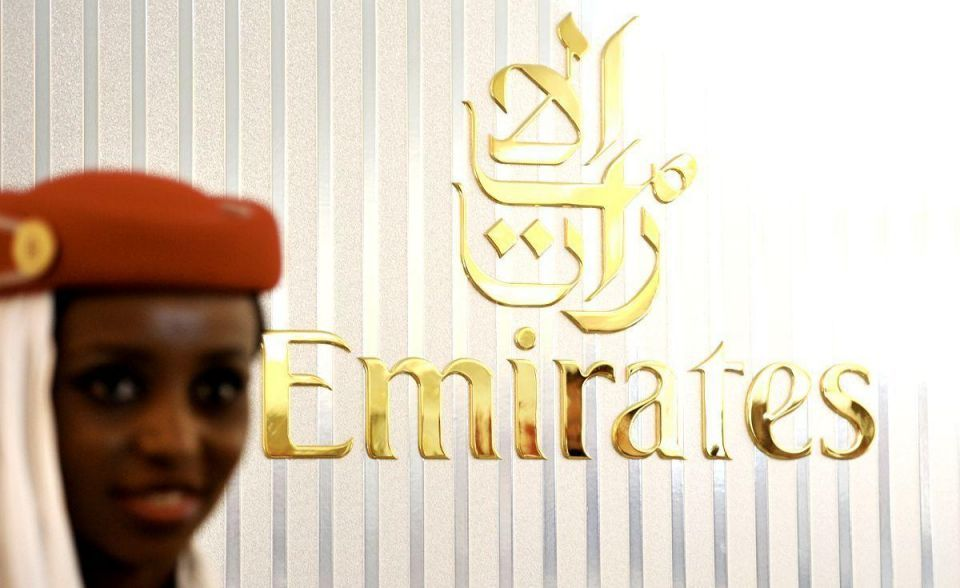 Dubai's Emirates inks deal to manage African carrier