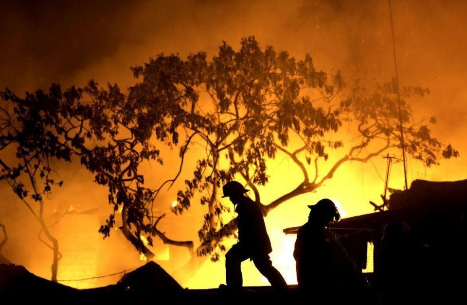 Thousands displaced by Manila fire