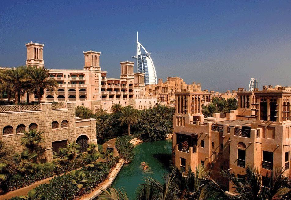 UK's Carillion wins $506m Dubai luxury hotels deal