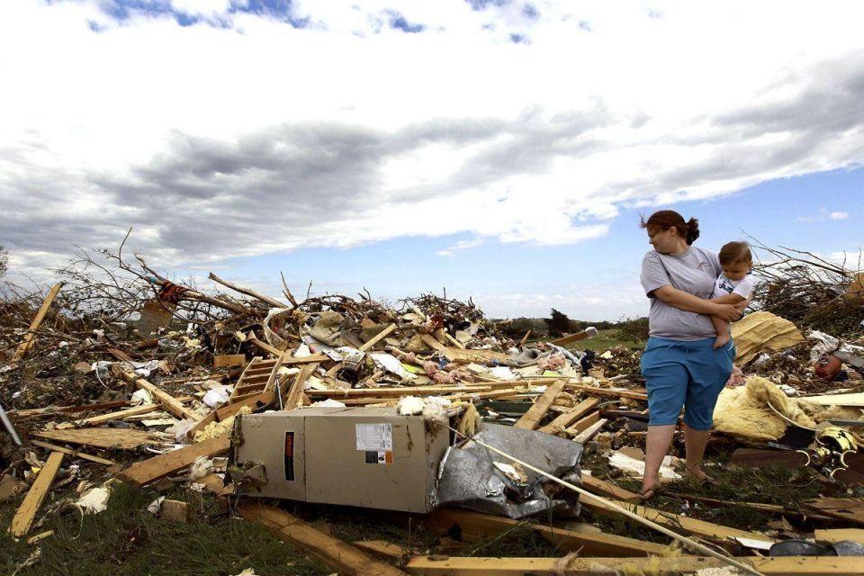 Tornado devastates Arkansas