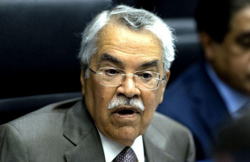 Saudi minister says oil price slide 'temporary', remains optimistic