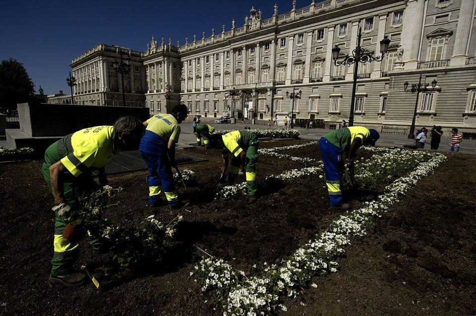 Spain prepares for Prince Felipe's coronation