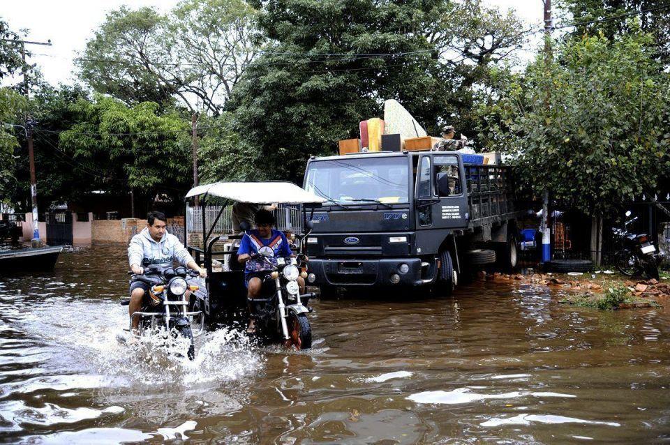 Heavy floods hit Paraguay