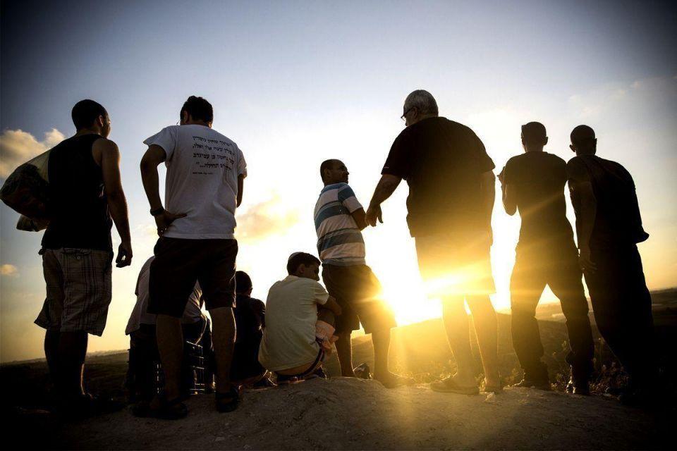 Israel holds off on escalating Gaza barrage; West wants truce