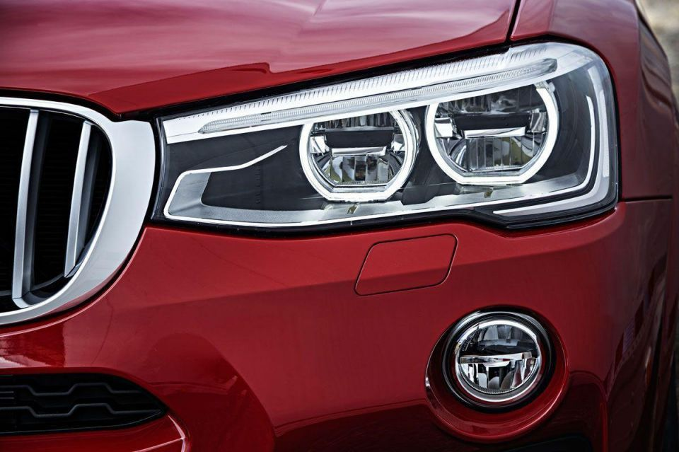 A closer look at the BMW X4 sports activity coupé