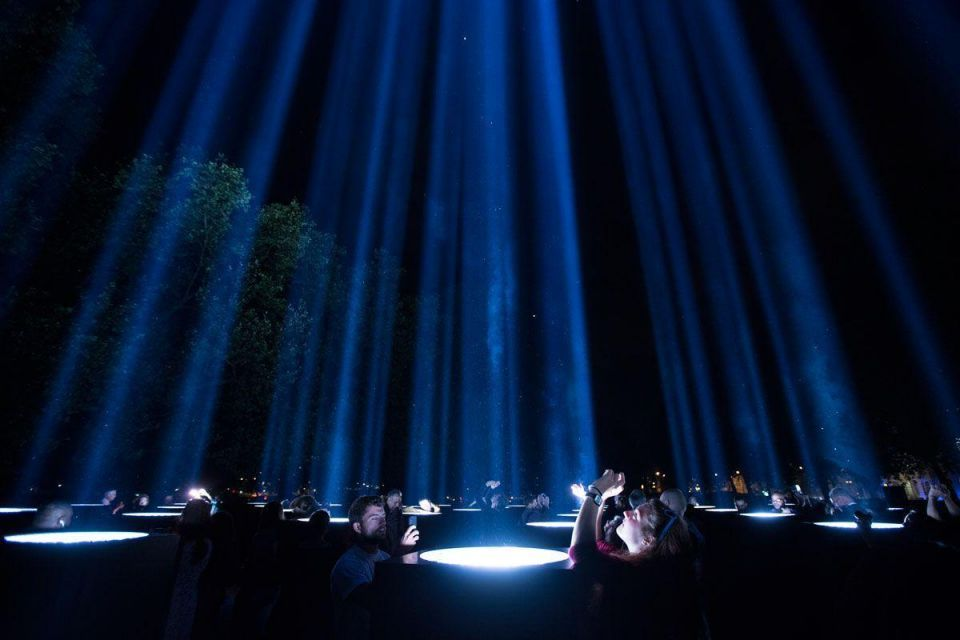London: Lights go out to mark WWI centenary