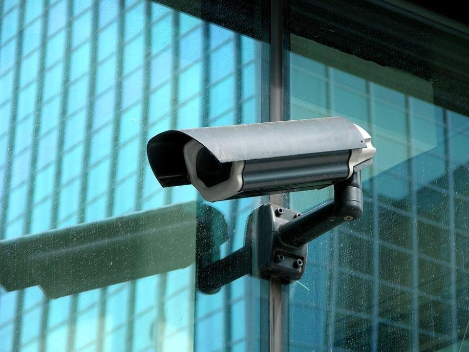 Dubai Police using CCTV to monitor people's temperature, social distancing
