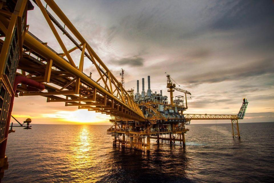 Weak oil may undermine Gulf markets' recovery