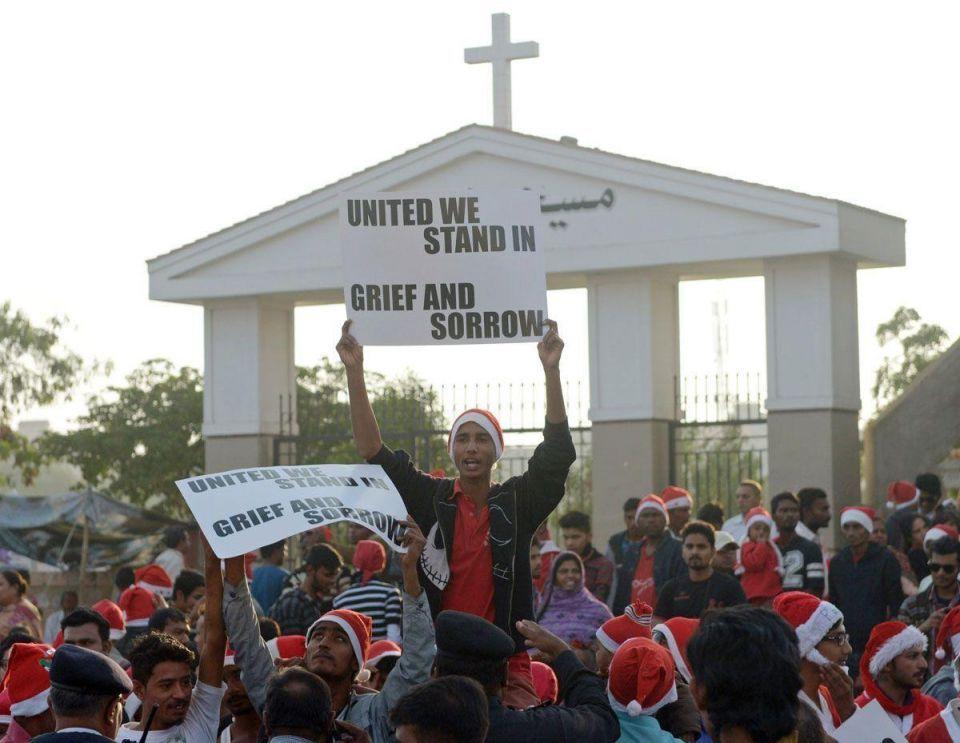 Pakistani Christians mourn Peshawar victims