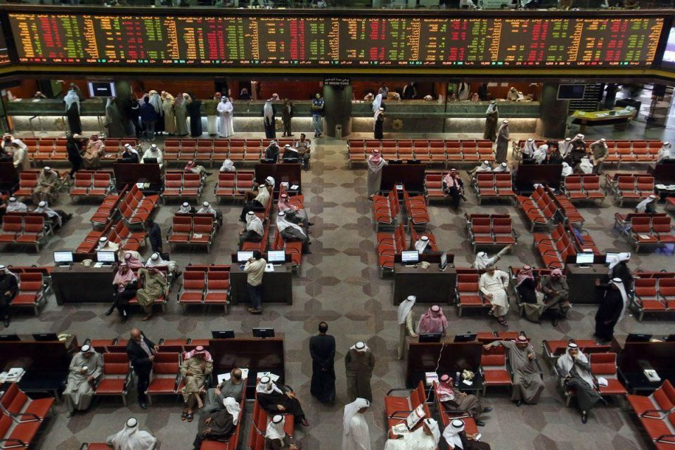 Stock markets: Gulf bourses mixed early on after oil pulls back