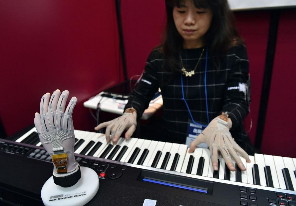 High-tech gadgets on display in Japan