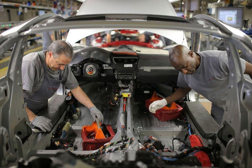 In Pics: 911 assembly at Porsche plant