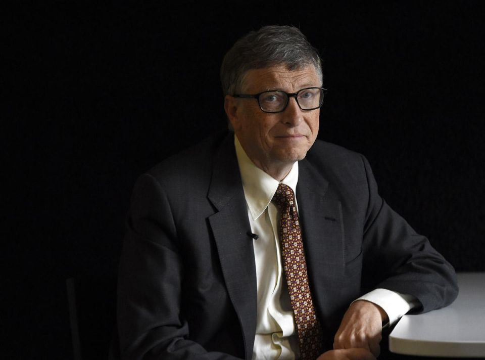 Low oil prices, tight budgets in the Gulf are making it harder to raise money to tackle poverty in the Muslim world, says Bill Gates