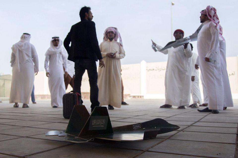 Saudi students make replicas of Decisive Storm jet fighters