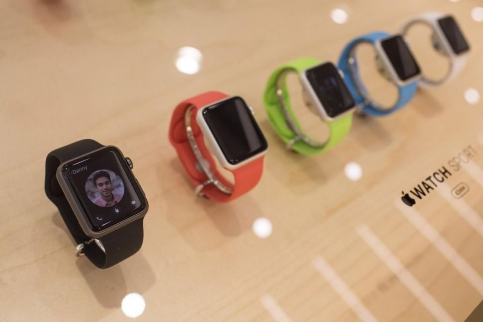 Apple Watch hits UAE grey market with over 250% mark-ups