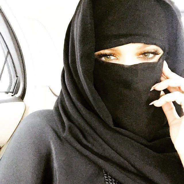 Khloé Kardashian stirs controversy during visit to Dubai mall