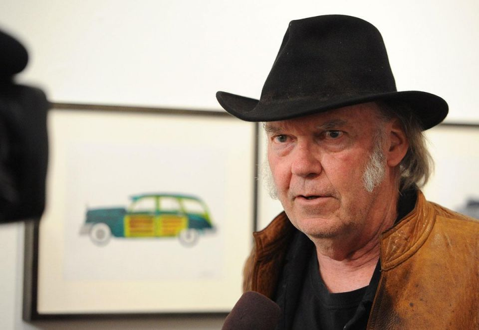 Neil Young hits out at Trump over presidential campaign launch