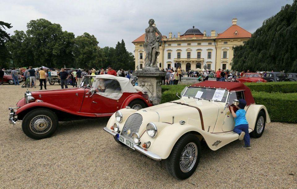 In pics: Vintage cars festival