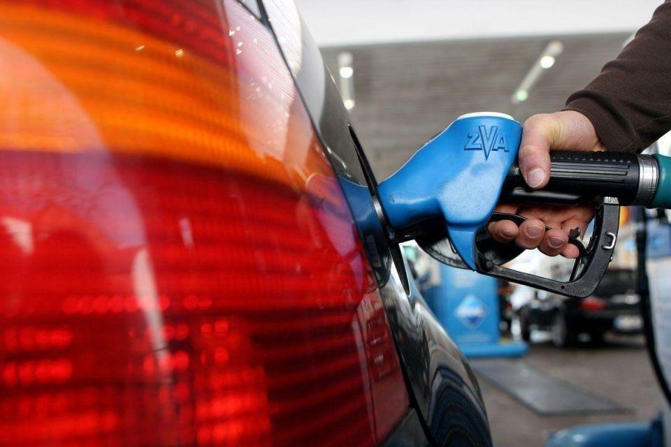 UAE fuel price deregulation will cost $387 per head, says Moody's
