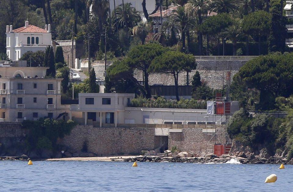 In pics: Saudi king's vacation in France