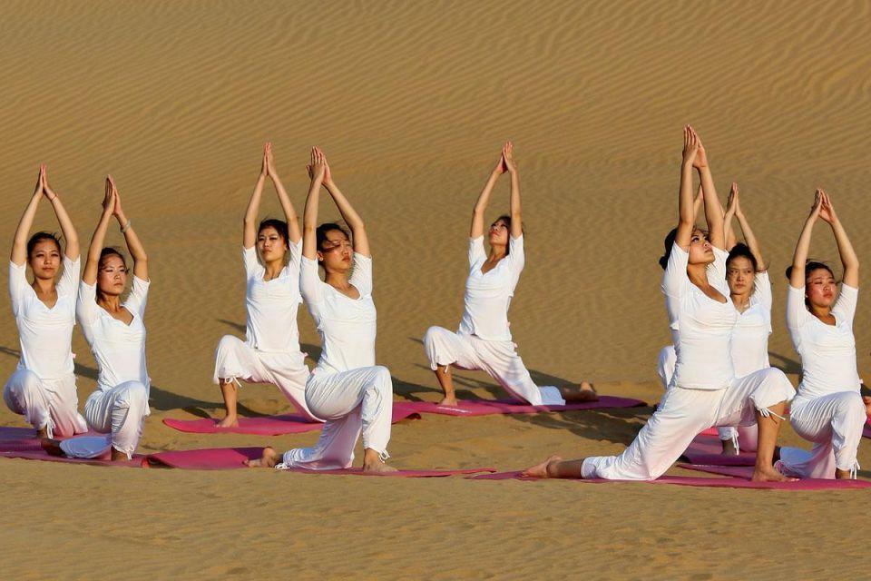 Dubai's Bab Al Shams Resort & Spa creates Bikram Yoga Retreat program