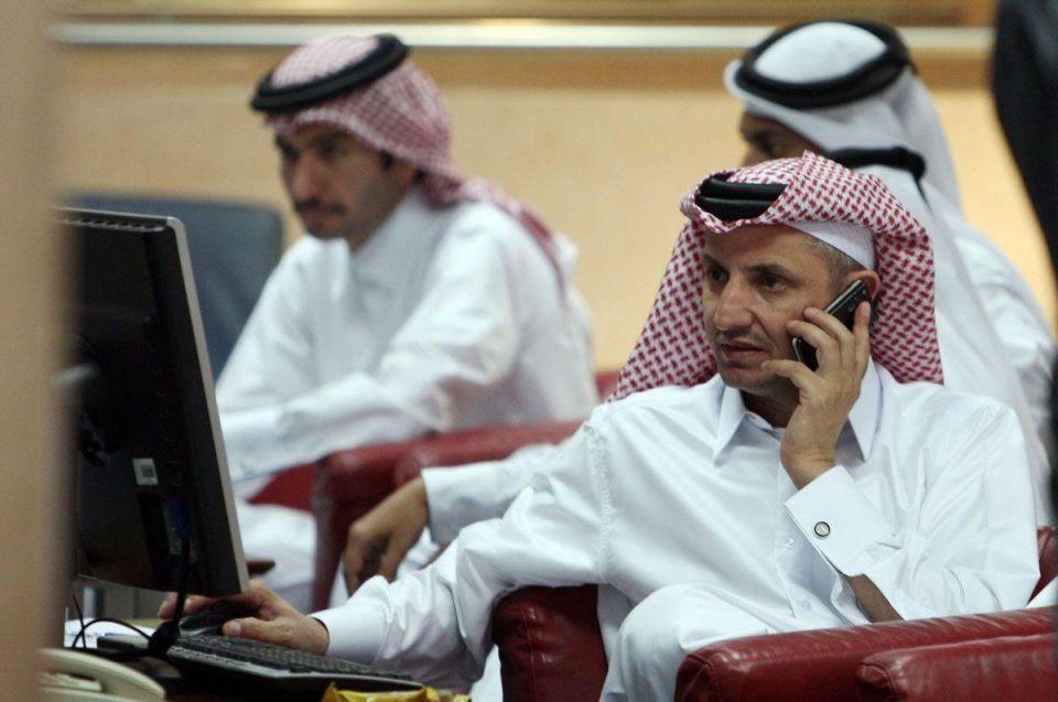 Stock markets: Gulf bourses fall, tracking oil, Asian stocks