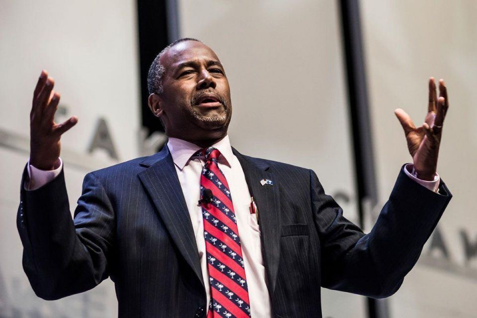 Republican candidate Carson says Muslims unfit to be US president
