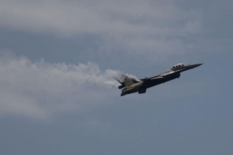 Air strike kills 39 in Syria as UN envoy visits Damascus