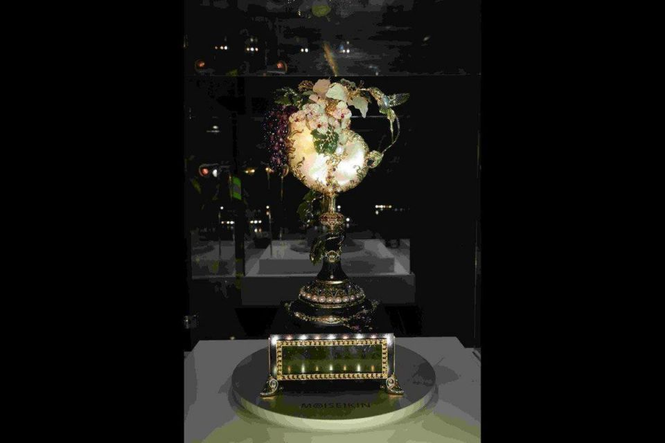 $1m luxury clock unveiled in Dubai
