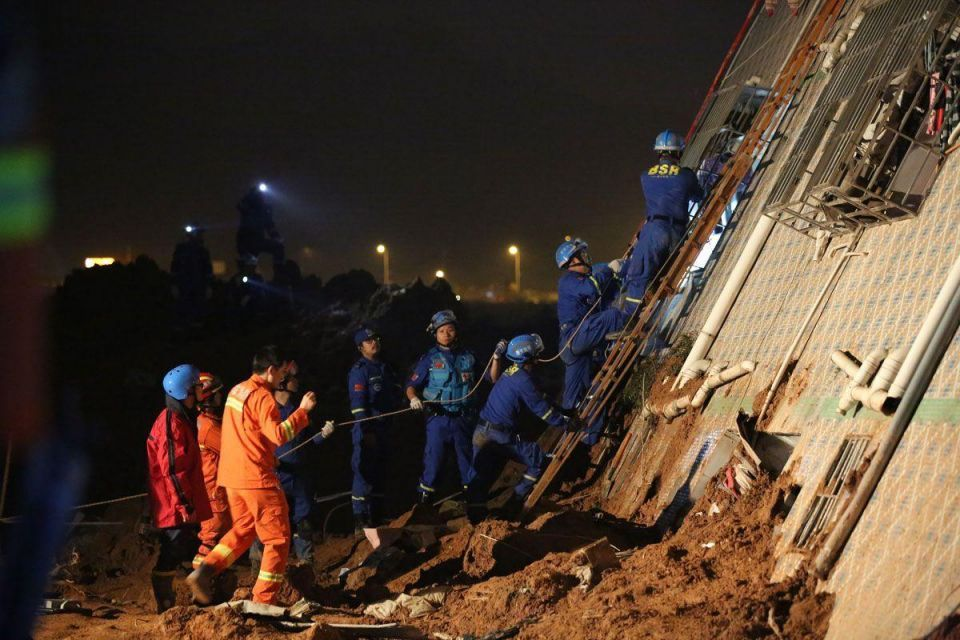 Authorities launch massive rescue efforts in China's Shenzhen landslide