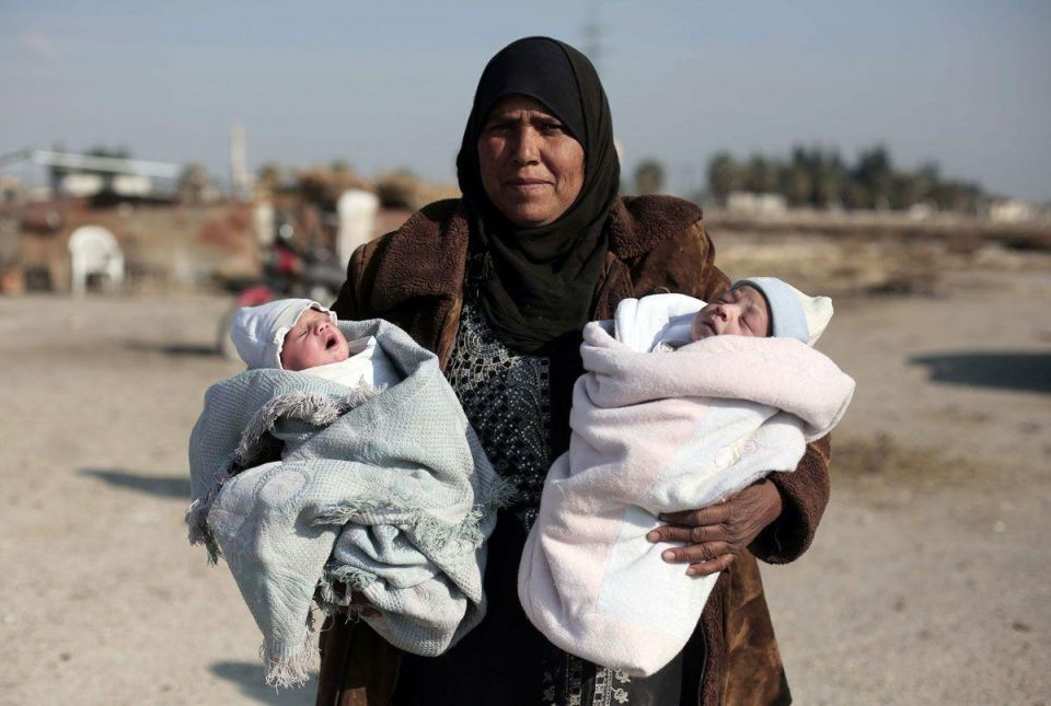 Evacuation of three Syrian towns under rare deal