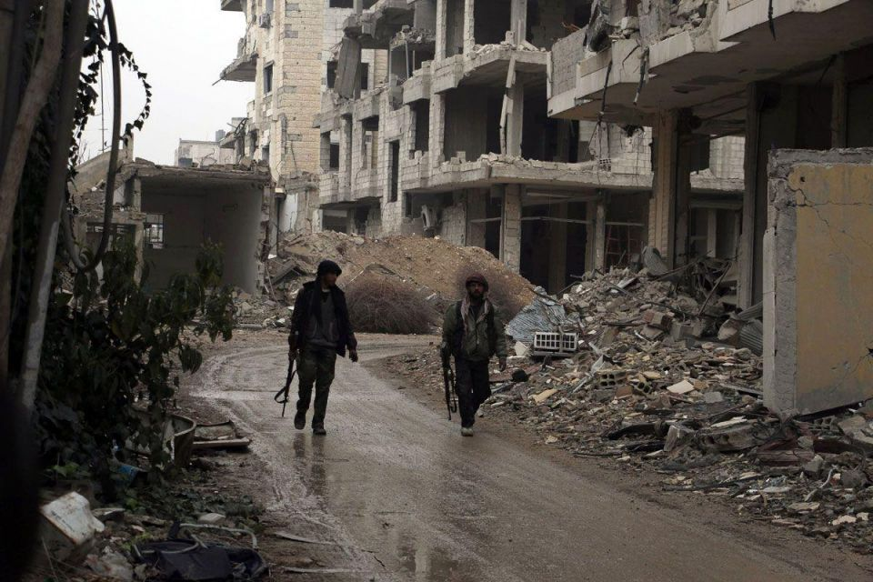 ISIL frees 270 of 400 people kidnapped in Syria